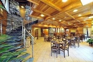 Viaggio in Valle d'Aosta. Dinus Donavit Hall
